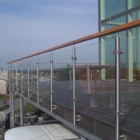 BILS-003 Balustrada din inox,lemn si sticla - MetalConfex.ro