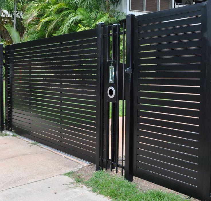 Modern Entrance Design With Decorative Aluminium Fence For: Garduri Moderne